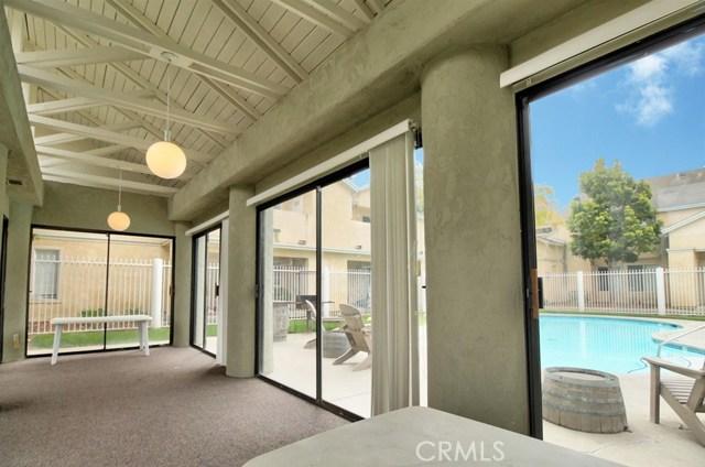 220 E Grant Street, Santa Maria CA: http://media.crmls.org/medias/f4bb4b54-bbe6-4790-8016-058fd31a2801.jpg
