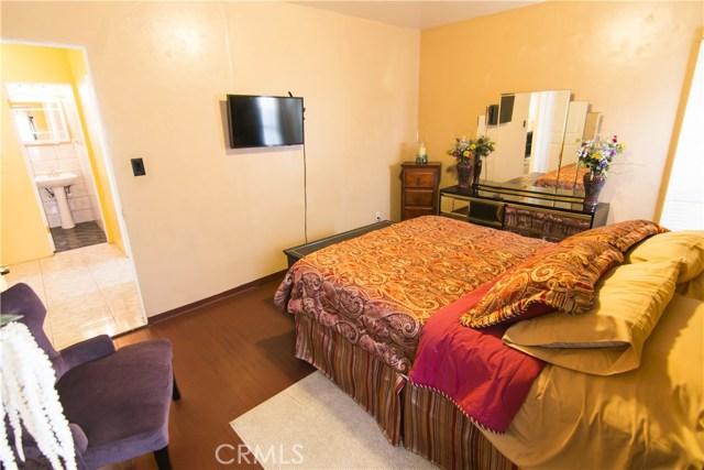 621 W PLUM Street, Compton CA: http://media.crmls.org/medias/f4c51411-46f9-4162-ad61-31b916b41271.jpg