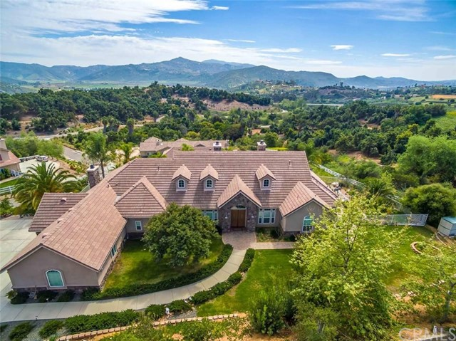 Single Family Home for Sale at 2531 Royal View Road 2531 Royal View Road Escondido, California 92027 United States