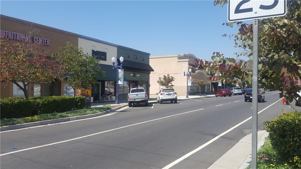 609 N Azusa Ave, Azusa CA: http://media.crmls.org/medias/f4e7d9ab-e4d2-4b90-b765-9a340128d801.jpg