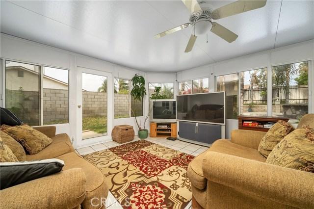 725 S Lassen Avenue, San Bernardino CA: http://media.crmls.org/medias/f4ebb842-f000-43c8-a4b2-03e6fb7a05e9.jpg