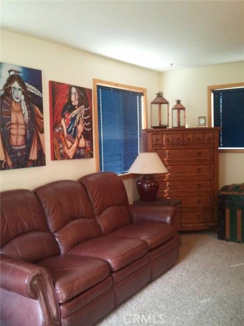 1809 Linden Drive, Pine Mtn Club CA: http://media.crmls.org/medias/f4ec9793-10fe-41b4-91ef-8674af4e5d1a.jpg