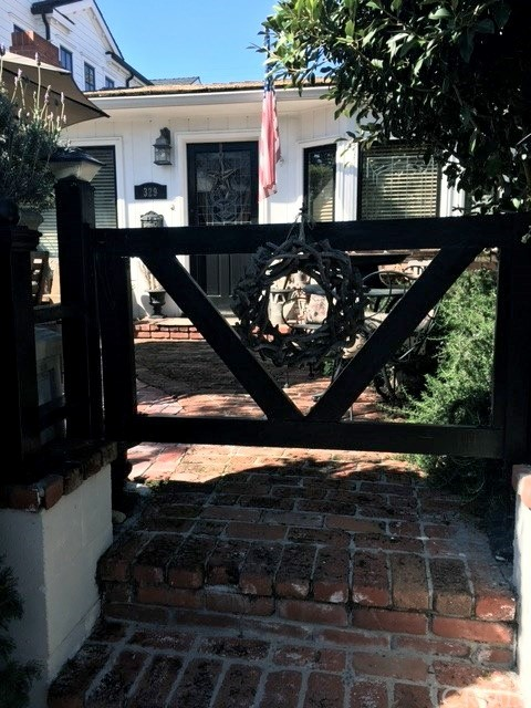 Single Family Home for Sale at 329 Poinsettia Avenue Corona Del Mar, California 92625 United States