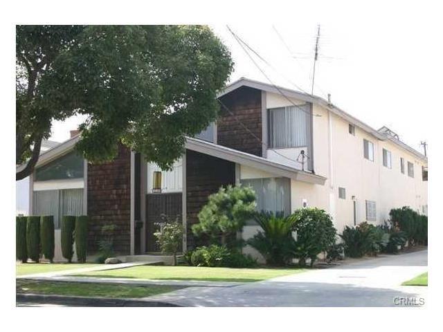 Single Family for Sale at 15109 Berendo Avenue S Gardena, California 90247 United States