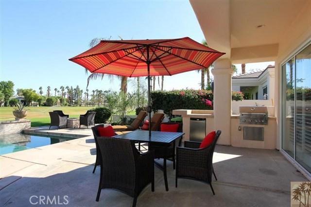 55210 Tanglewood, La Quinta CA: http://media.crmls.org/medias/f5143c2d-e24d-4d50-b54f-c8a45d75c7f0.jpg