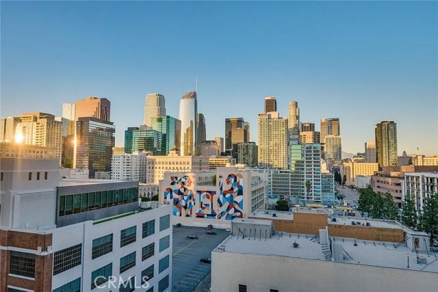 1111 S Grand Avenue, Los Angeles CA: http://media.crmls.org/medias/f5150469-482c-43a8-a64a-7978e4e5d07e.jpg