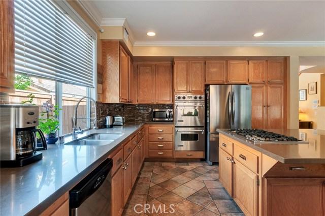 2856 S Buena Vista Avenue, Corona CA: http://media.crmls.org/medias/f52870ab-b97a-4e49-ad1a-379a750376a1.jpg