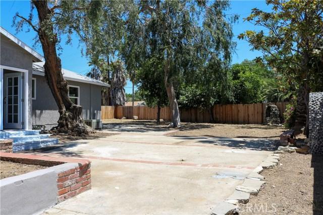 7126 Lurline Avenue, Winnetka CA: http://media.crmls.org/medias/f53753cb-c5b2-4a68-936d-50a015f56d82.jpg