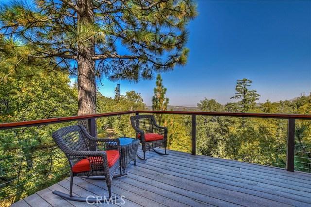 283 Fairway Drive, Lake Arrowhead CA: http://media.crmls.org/medias/f54847c6-1009-4cc8-ba59-7707e4ac7150.jpg