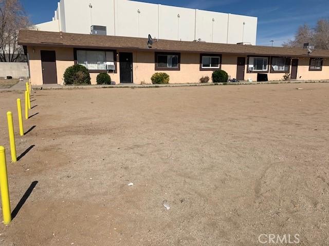13401 Navajo Road, Apple Valley CA: http://media.crmls.org/medias/f54d6b0b-d65c-49b5-887f-d59b5fbaa83e.jpg