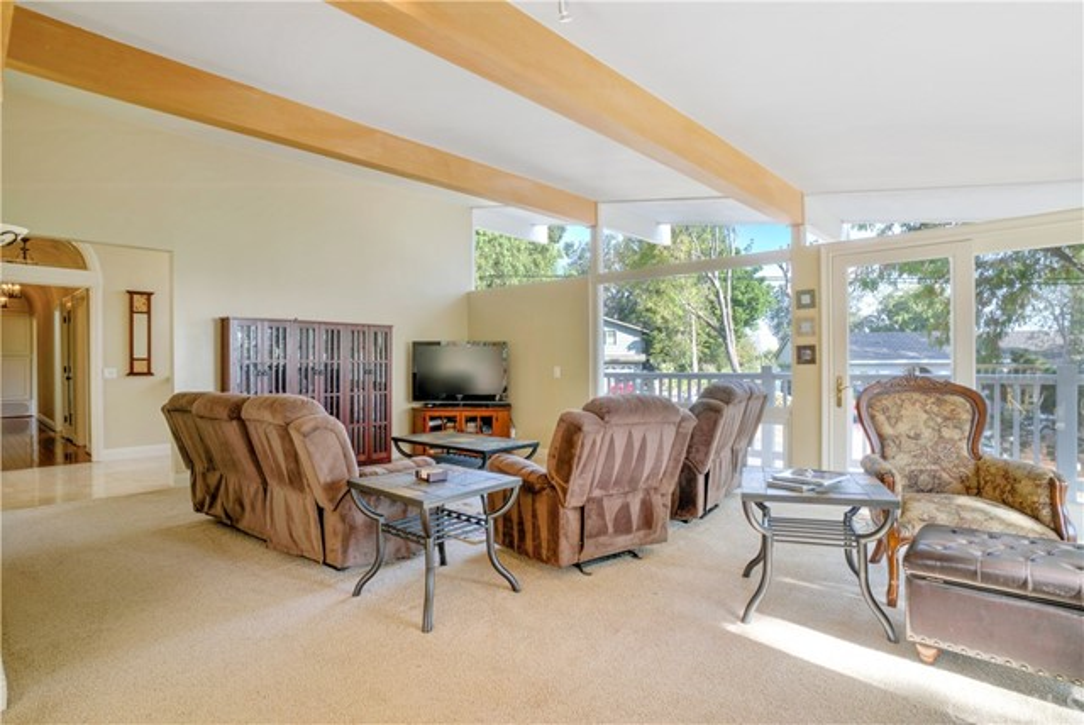 18 Ranchview Road, Rolling Hills Estates CA: http://media.crmls.org/medias/f554b89b-bc30-4ad9-b1bc-2ad0f8f9af35.jpg