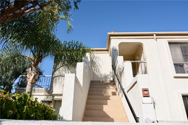 27865 Ameno 40 Mission Viejo, CA 92692 is listed for sale as MLS Listing OC17155730