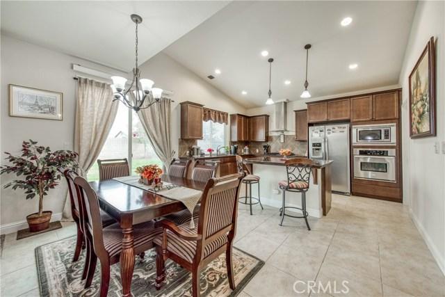 6062 N Torrey Pines Avenue, Fresno CA: http://media.crmls.org/medias/f55a76fa-cbfa-4146-b7e8-10e86fe0d5e1.jpg