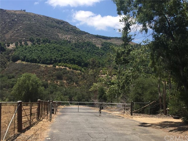 0 Pauma Ridge Road, Pala CA: http://media.crmls.org/medias/f56ddee0-df09-49eb-80ca-abc27f15cdfb.jpg