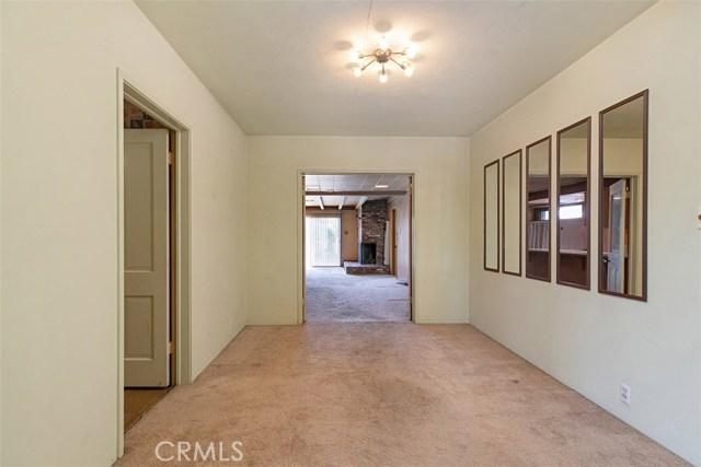 1424 E Armando Drive, Long Beach CA: http://media.crmls.org/medias/f57e6549-5a5a-4048-b0c4-ff93e66721ed.jpg