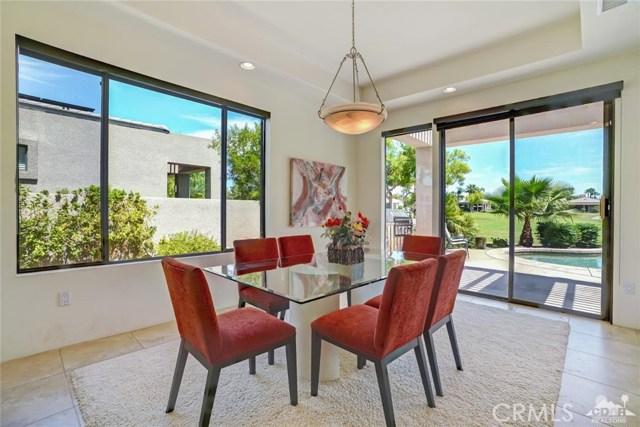 10 Via Haciendas, Rancho Mirage CA: http://media.crmls.org/medias/f57ea34c-144d-4dc0-bdd6-5a347b955d35.jpg