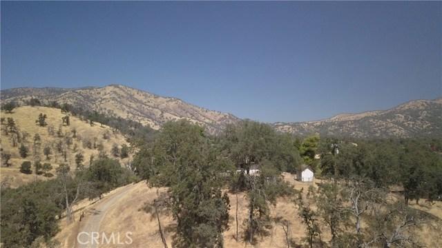35343 Hopewell Road, Squaw Valley CA: http://media.crmls.org/medias/f594cebc-8ae7-496a-b700-aad81f571717.jpg