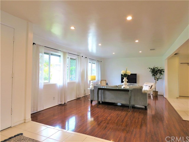 1124 W La Entrada Cr, Anaheim, CA 92801 Photo 9