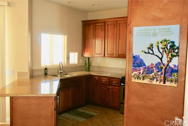 65119 South Cliff Circle, Desert Hot Springs CA: http://media.crmls.org/medias/f5a46b8a-33fc-4a69-96a1-ada97e89271d.jpg