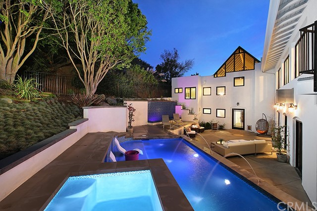 Single Family Home for Sale at 586 Nyes Place Laguna Beach, California 92651 United States