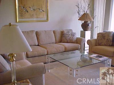 304 Castellana, Palm Desert CA: http://media.crmls.org/medias/f5b8a9aa-703c-41bb-8512-1ebb63106581.jpg