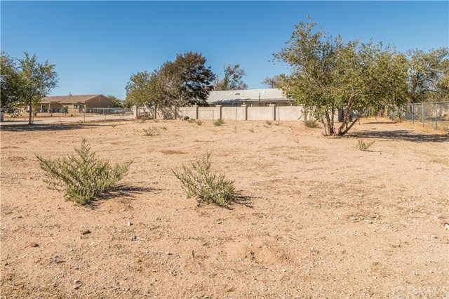 8825 5th Avenue,Hesperia,CA 92345, USA