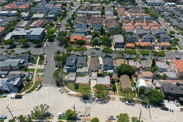 703 -705 El Redondo Avenue, Redondo Beach CA: http://media.crmls.org/medias/f5cc95c4-e0a3-42eb-aefc-607279b6e7c0.jpg