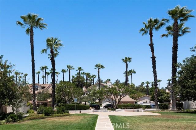 24392 Acaso, Laguna Hills CA: http://media.crmls.org/medias/f5cdd228-a6ea-47bb-ac52-3054888f37ff.jpg