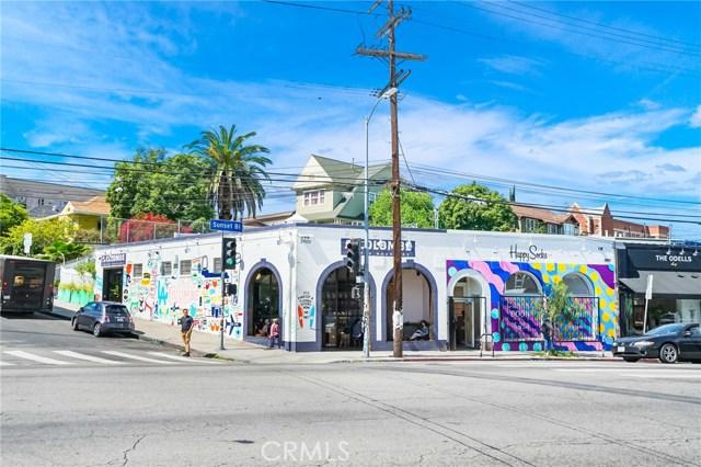 1042 Hyperion Avenue, Los Angeles CA: http://media.crmls.org/medias/f5d3facd-197a-4df6-aa17-94195fbbf12f.jpg