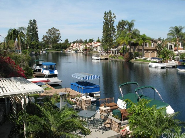 Single Family Home for Sale at 21947 Yellowstone St Lake Forest, California 92630 United States