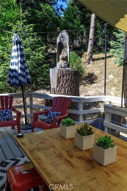 26137 Sky Ridge Drive, Twin Peaks CA: http://media.crmls.org/medias/f5d8086b-6d33-4bf0-bf38-42c5b32ac0f1.jpg