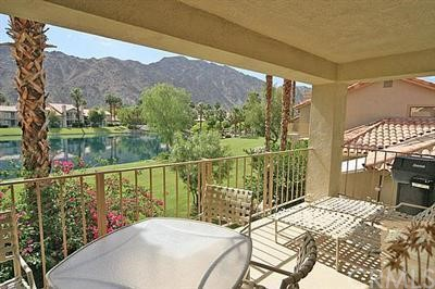 55423 Tanglewood, La Quinta CA: http://media.crmls.org/medias/f5dab6e7-e08c-4927-a16d-01fd53e70f00.jpg