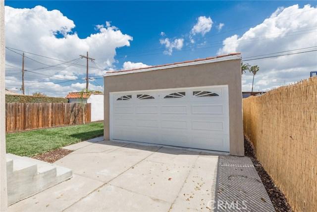 6014 8th Avenue, Los Angeles CA: http://media.crmls.org/medias/f5dc5f64-d66c-4b0f-9a86-e21351a2406f.jpg