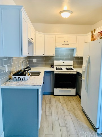 Detail Gallery Image 1 of 20 For 1036 Magnolia Ave #206,  Gardena,  CA 90247 - 2 Beds | 2 Baths