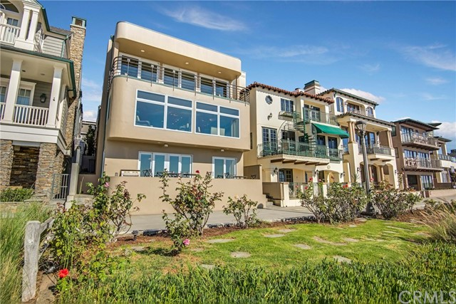 Single Family Home for Sale at 3416 The Strand Manhattan Beach, California 90266 United States