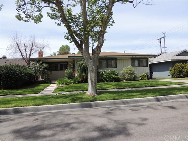 Single Family Home for Sale at 2143 Studebaker Road N Long Beach, California 90815 United States