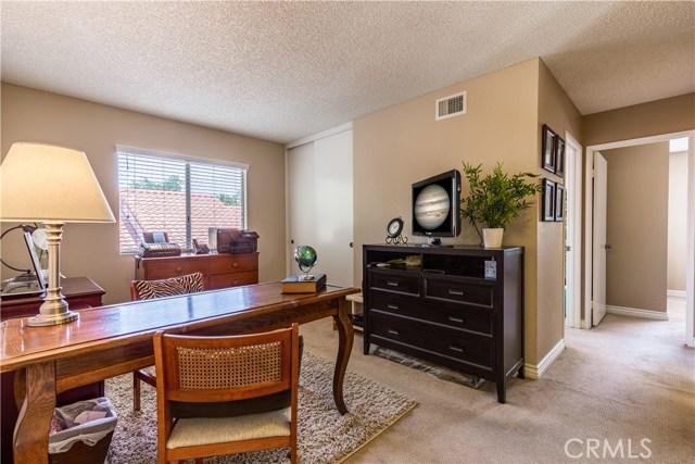 2178 Turnberry Lane, Corona CA: http://media.crmls.org/medias/f60f17f6-a420-4443-9e44-a5164b55af37.jpg