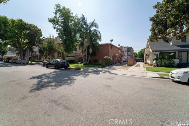 420 Ivy Street, Glendale CA: http://media.crmls.org/medias/f6148cae-33fb-4f52-90f1-df40ce82e6fb.jpg