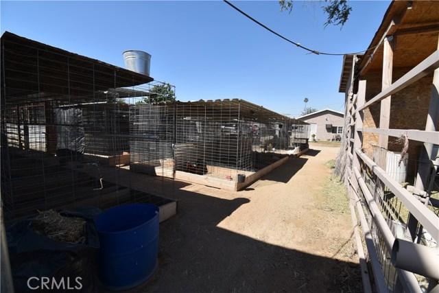 6852 37th Street, Jurupa Valley CA: http://media.crmls.org/medias/f61e8ae4-0757-42a6-9d45-4d4996f0af7d.jpg