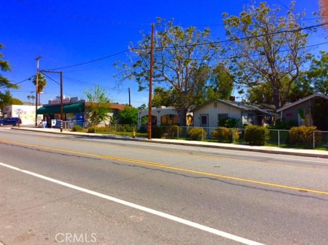 1826 N Mentone Boulevard, Mentone CA: http://media.crmls.org/medias/f6246d37-53e3-432a-aa4b-4118e5d0d1f8.jpg