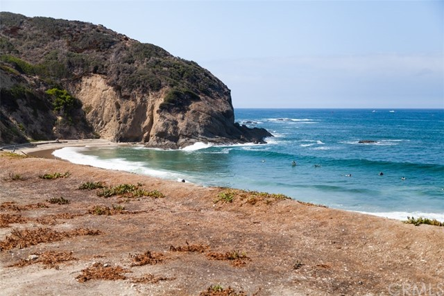 1 Strand Beach Drive, Dana Point CA: http://media.crmls.org/medias/f6292ba7-5a6d-48b8-9542-35f4ca5b30b0.jpg