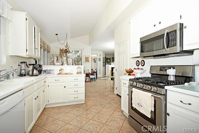 14 El Corazon, Rancho Santa Margarita CA: http://media.crmls.org/medias/f6311783-e8c7-4daf-946c-8794da3cb064.jpg