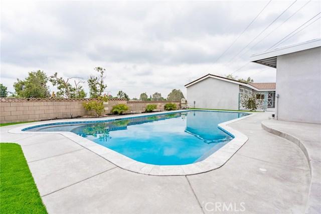 1730 La Mesa Oaks Drive, San Dimas CA: http://media.crmls.org/medias/f6330af7-fff3-4652-95a5-180d50500ab0.jpg
