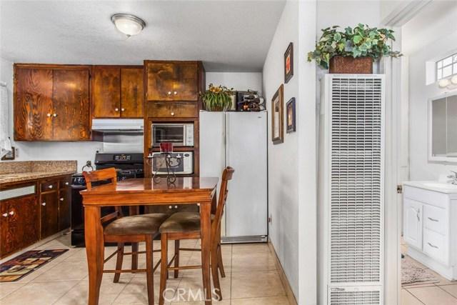 178 W 1st Street, Rialto CA: http://media.crmls.org/medias/f6361351-8c29-45ac-a901-b078ef655bb3.jpg