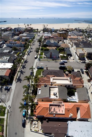 Single Family Home for Sale at 205 4th Street Seal Beach, California 90740 United States