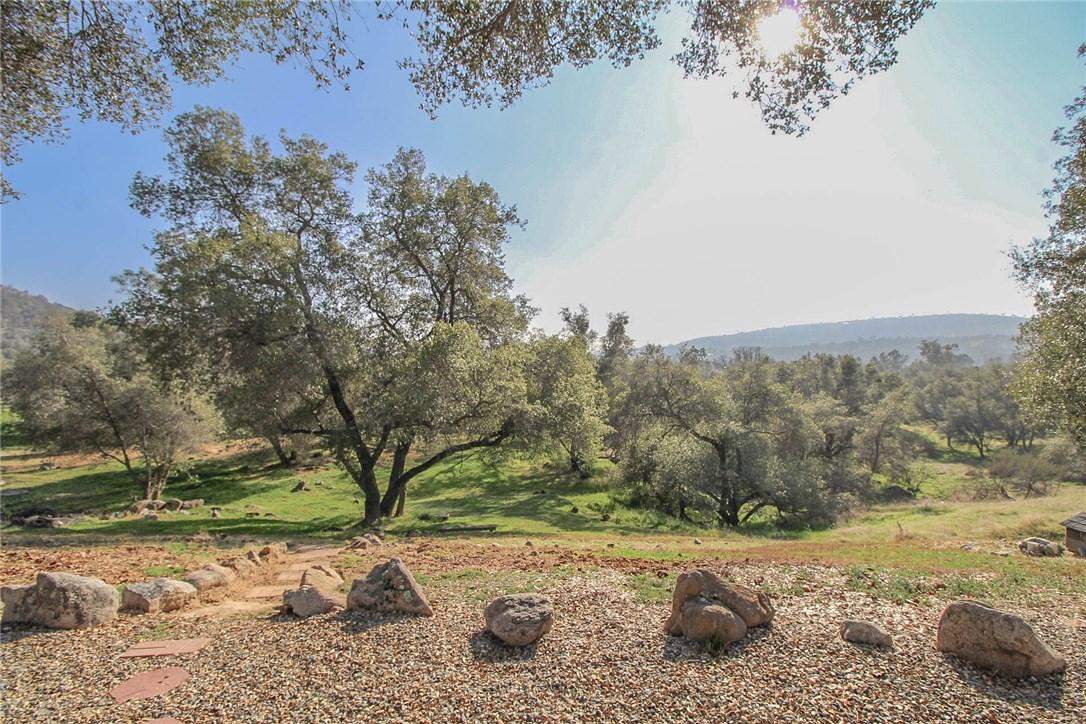 42946 Ranger Circle Drive, Coarsegold CA: http://media.crmls.org/medias/f6483908-34ee-41e7-921c-222ca1104635.jpg