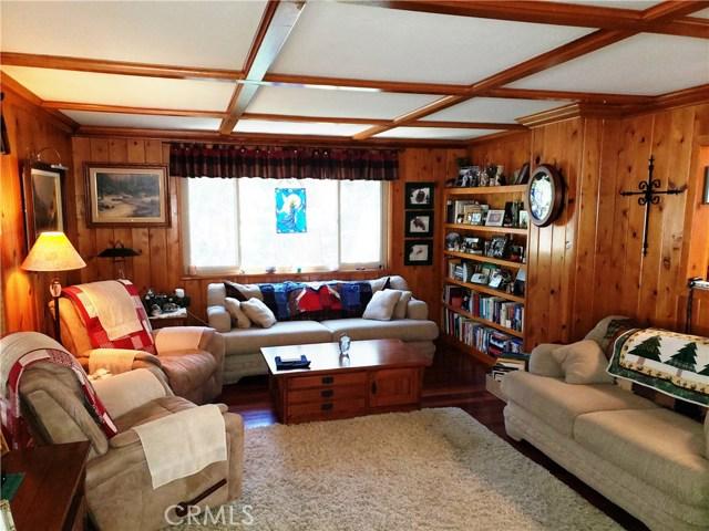 615 Pioneer Road, Lake Arrowhead CA: http://media.crmls.org/medias/f6491abd-a657-4f18-9118-afa3d70b2f44.jpg