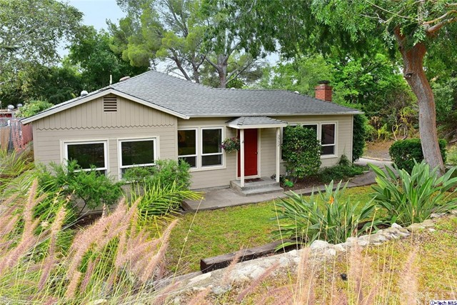 Single Family Home for Sale at 3932 Los Olivos Lane Glendale, California 91214 United States