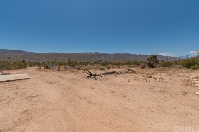 63449 Rocking Chair Road, Joshua Tree CA: http://media.crmls.org/medias/f64d751d-482f-4561-bfac-22bc4fc5524c.jpg