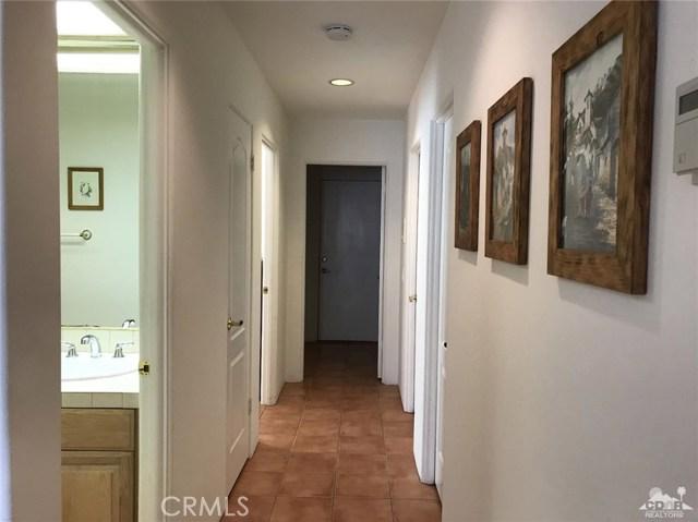 40620 Glenwood Lane, Palm Desert CA: http://media.crmls.org/medias/f6549715-c724-4b43-8d2d-cdb002540c8c.jpg